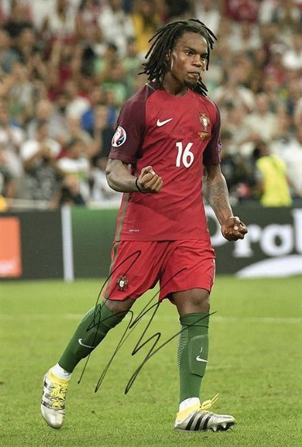Renato Sanches, Portugal, Bayern Munich, Benfica, signed 12x8 inch photo.